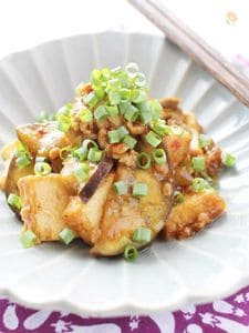 豚挽き肉と厚揚げ、ナスの甜麺醤炒め