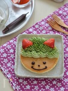 抹茶といちごの鬼デコホットケーキ