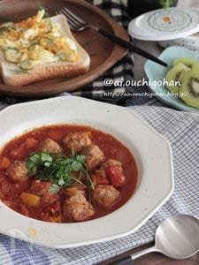 作り置きでらくらく*簡単ミートボールのトマト煮レシピ♡