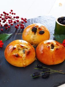 おせちリメイク〜黒豆チーズパン