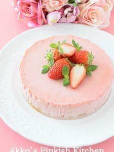 苺のムースケーキ ストロベリーピュレを贅沢に使ったレシピ♪