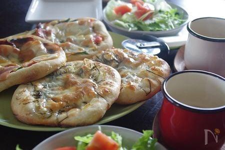 【楽パン♪】発酵なしで簡単!トースターで焼くピザ