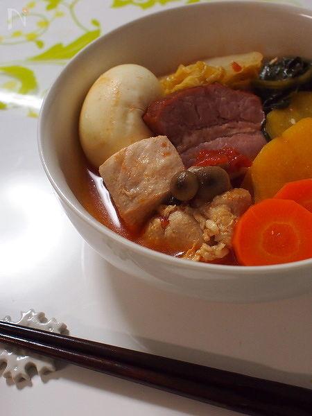 トマト缶で!簡単変化なトマト鍋☆