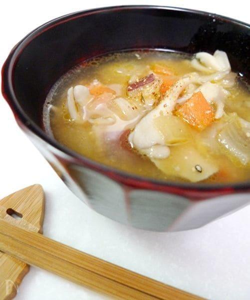 カラフル野菜と豚肉うまみのおみそ汁