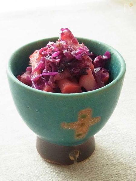 紫キャベツと林檎のサラダ