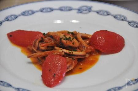 イカの南仏風トマト煮込み