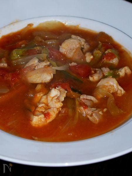 トマトと鶏モモの塩麹コラーゲンスープ鍋