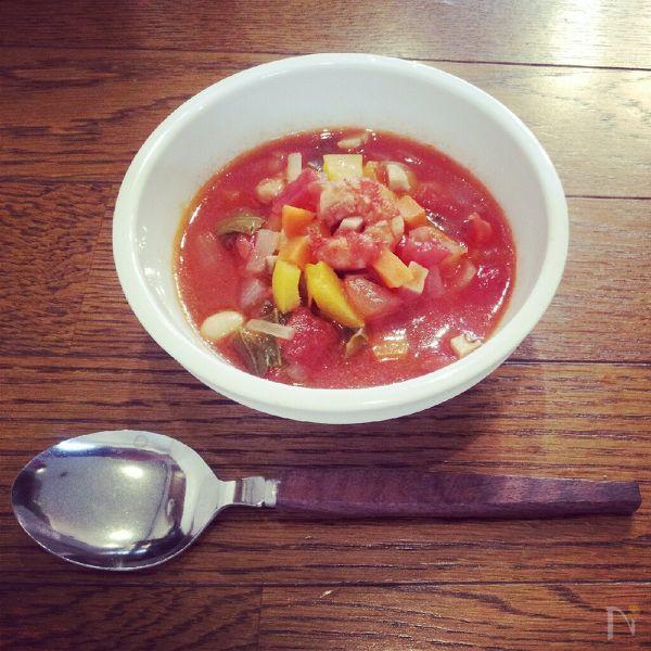 三色野菜のトマトスープ
