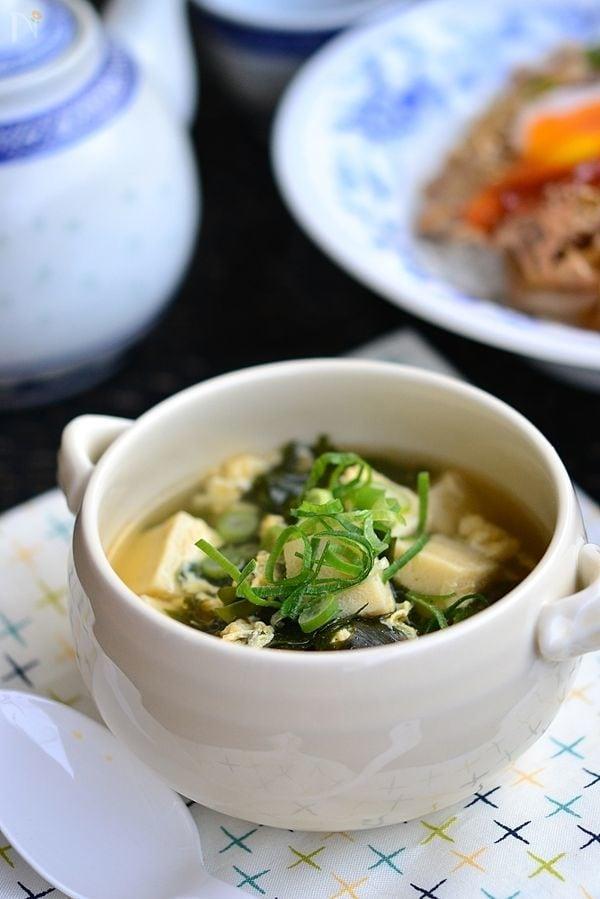わかめと高野豆腐のふんわり卵スープ