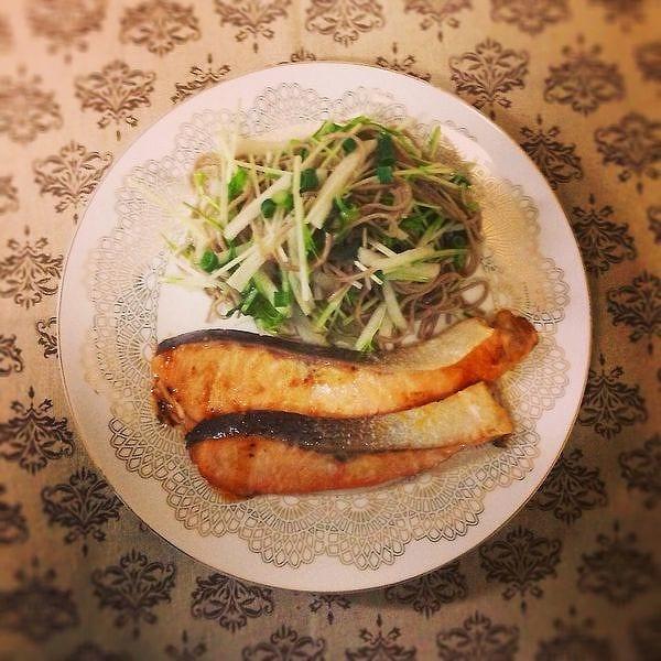 サーモンの味噌焼き〜蕎麦と水菜のサラダ添え〜
