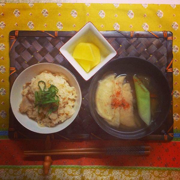 いちご煮の炊き込みご飯と せんべい汁