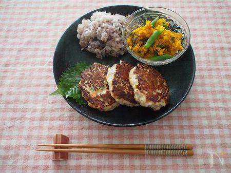 ささみと豆腐の塩麹ハンバーグ