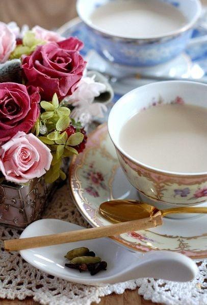 英国にロイヤルミルクティーはないの?紅茶の豆知識とおいしいロイヤルミルクティーの作り方