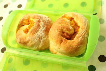 ルクエで簡単♪かぼちゃのくるくるヨーグルトパン