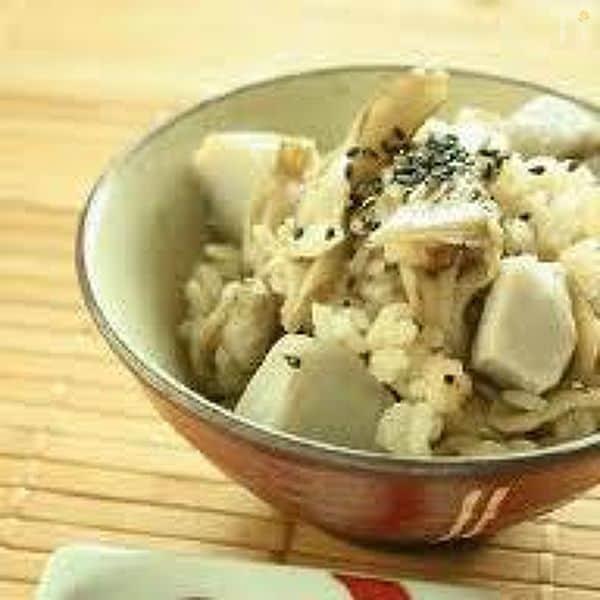 里芋とマイタケの炊き込みごはん