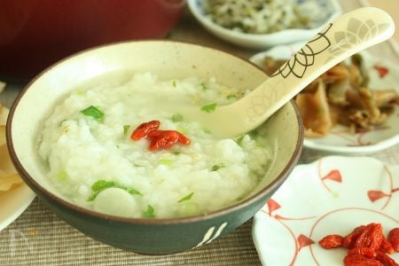 七草入り中華粥(中華だしを使ったレシピ)