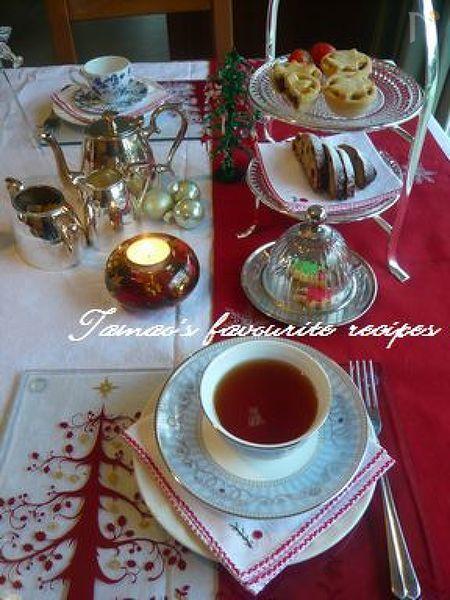 クリスマスのティーのテーブル♪ミンスパイと。
