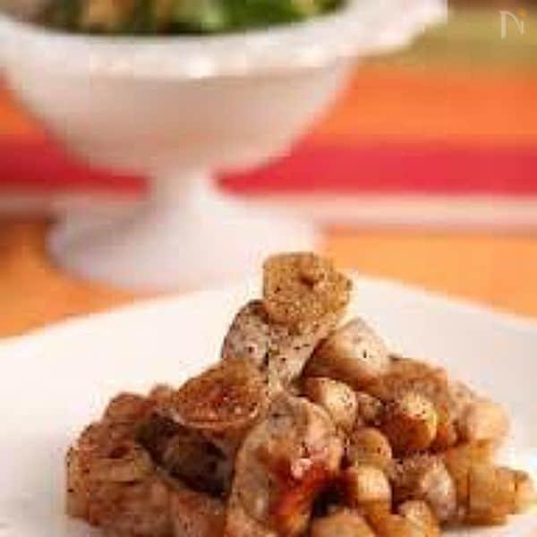 【マッシュルーム軸と豚肉のにんにく胡椒炒め】