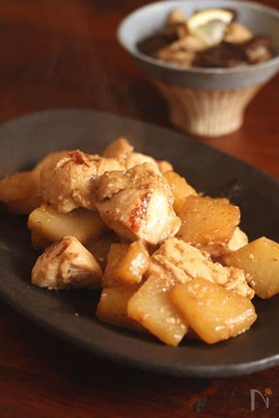 鶏肉のゴマ味噌炒め