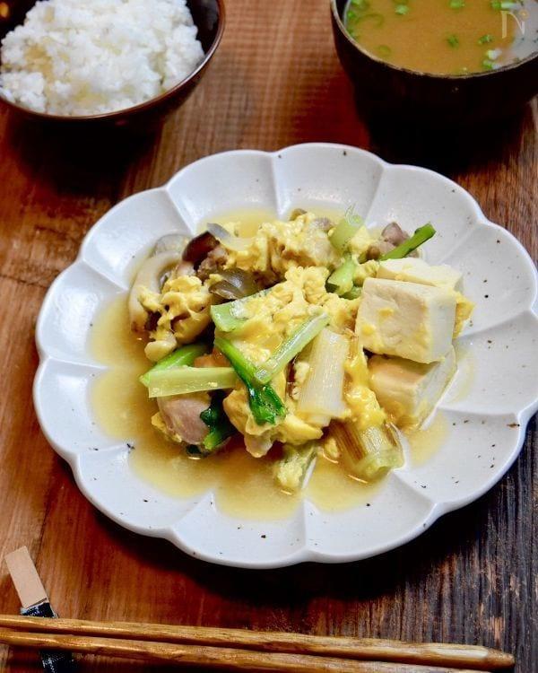 ふんわり卵とほっこり甘みのやわらか親子煮