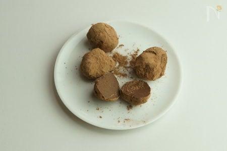 ナッツミルク・ローチョコレートトリュフ