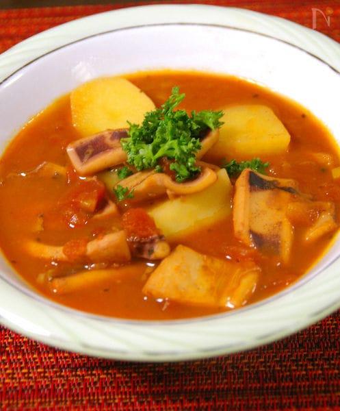 南仏猟師風 イカとジャガイモのトマト煮込み