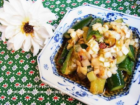 たたき胡瓜の香味ごま酢和え