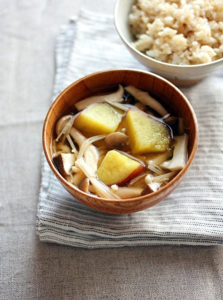 柚子こしょう仕立て♪さつま芋ときのこの味噌汁