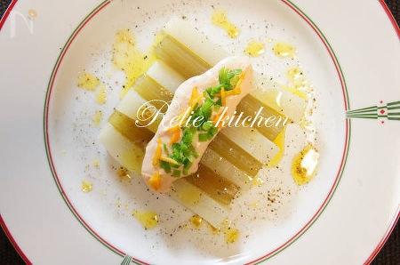 ふきと大根のサーモンソース 金柑風味