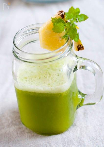 5. パイナップル&レタスのグリーンジュース