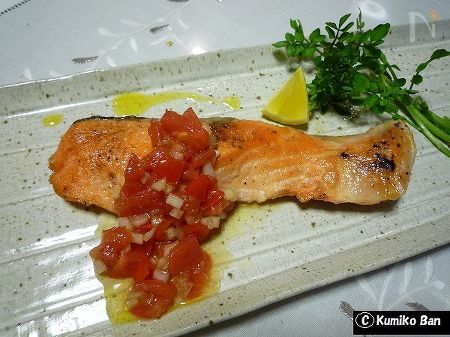 鮭のムニエルラビコットソース