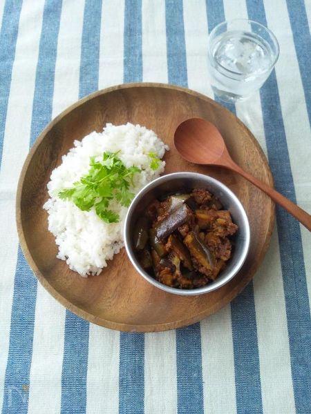 茄子とひき肉のドライカレー