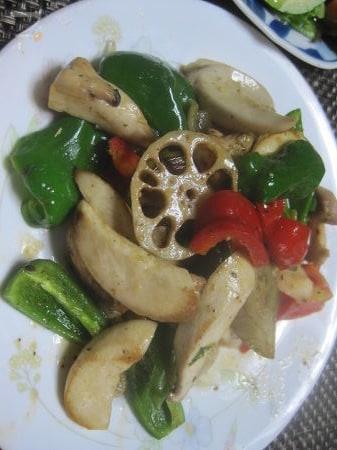 エリンギと鶏肉・彩り野菜のいためもの