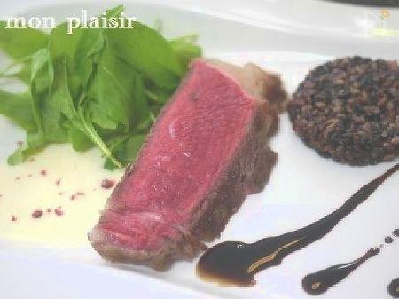 牛肉のラクレットソース