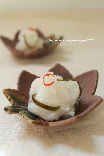 揚げ物のお供に、大根のピリ辛甘酢漬