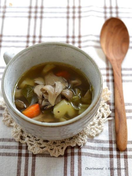 舞茸だしの野菜スープ