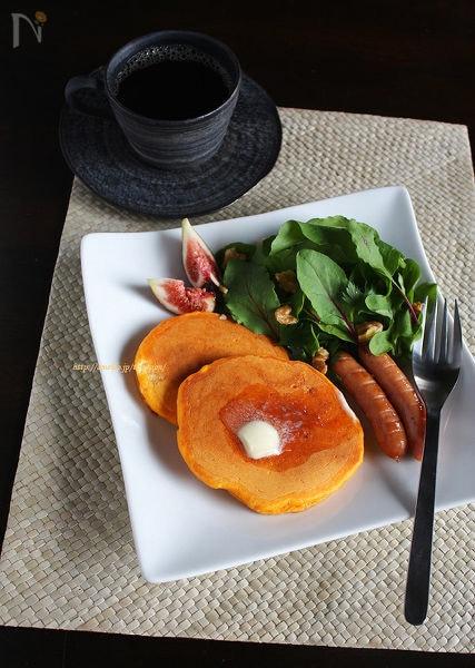野菜ジュースで作る朝パンケーキ♪