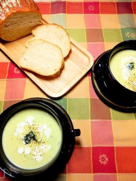 ディルが香るアボカドとじゃがいものスープ