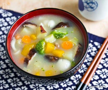 ダイエットの強い味方、生姜香る、具だくさん味噌スープ