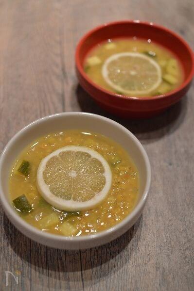 スパイス香るインド風レモンスープ