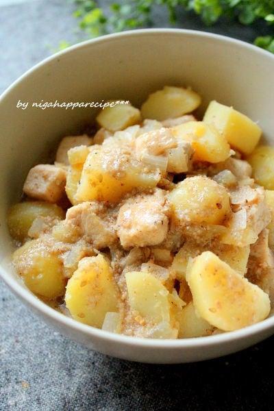 鶏肉とじゃが芋のごま味噌煮