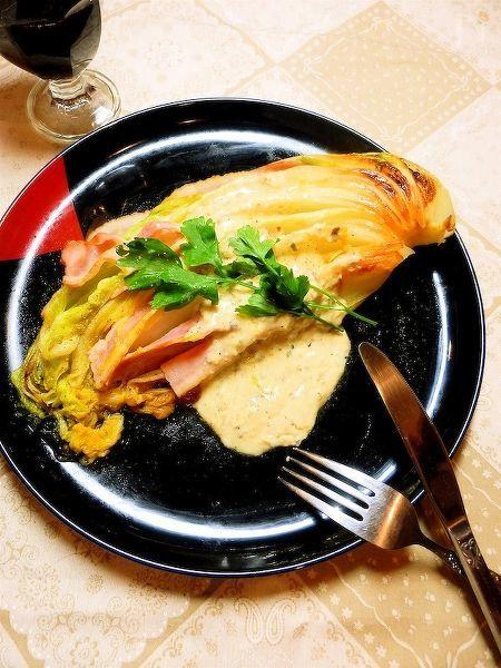 まるごと白菜のオリーブオイル焼き アンチョビクリームソース