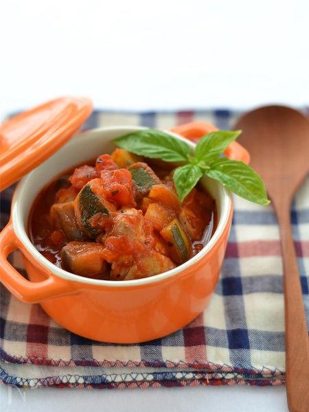 イタリアン野菜と鶏肉のトマト煮込み