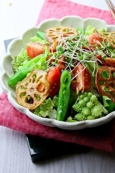 カリカリベーコン&カリカリ蓮根のサラダ。