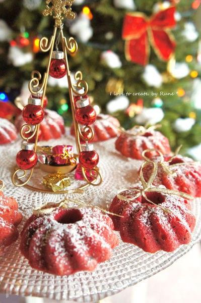 ビーツ色のレモンリース焼きドーナッツ