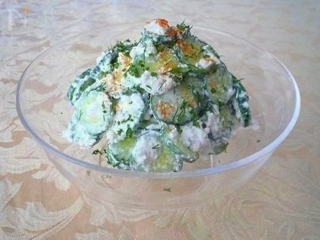 きゅうりとチーズのサラダ