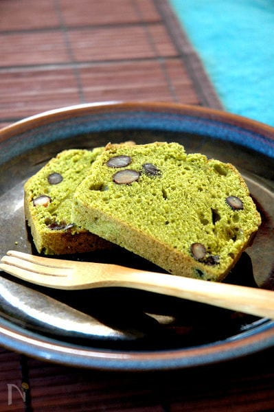 黒豆抹茶ケーキ。