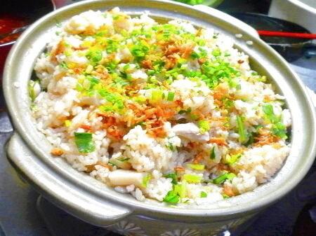 鶏肉とセリと蓮根のエスニック土鍋ご飯