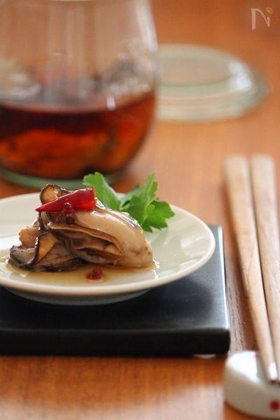 牡蠣のオイル漬け。ごま油で。