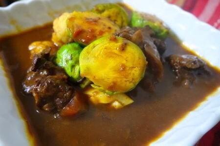 牛筋と冬野菜のシチュー